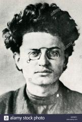 ne-lev-davidovitch-trotski-leon-bronstein-.jpg